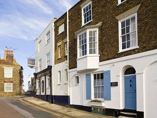 Charming, Period House near the sea in Deal.