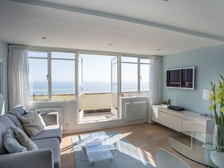 Brighton Seafront Holiday Apartment, Penthouse with Private Sun Terrace