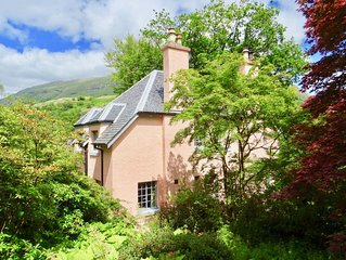 Cosy Garden Apartment, by the sea within easy reach of Glencoe and Fort William