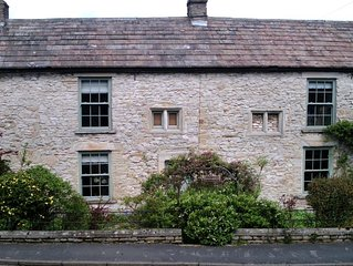 Self Catering Farm House Conversion In The Heart Of Wensleydale (Sleeps 8)