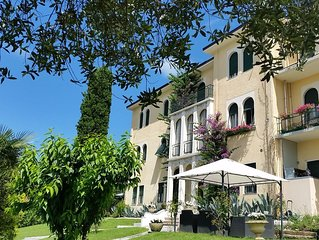 Luxury 3 Rooms (6 people) B&B with Parking, WI-FI and A/C in Salo, Lake Garda