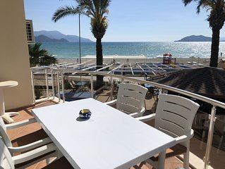 Poseidon 3, luxury apartment with unobstructed beach and sea views.