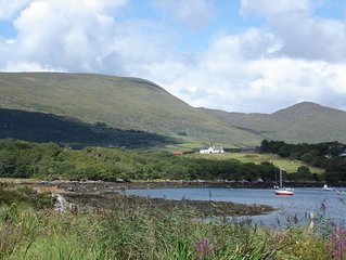 A romantic hideaway for two in a stunning seaside location near Caherdaniel