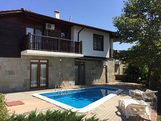 Hill Top Villa near to Sunny Beach with 4 Bedrooms, Private Pool and WIFI