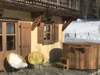 Lovely Stylish Chalet, Stunning Views of Mont Blanc, Nordic Bain, Near to Skiing