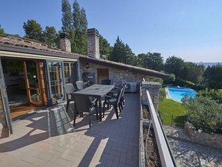 Villa panoramica con piscina a Perugia vicino al Lago Trasimeno