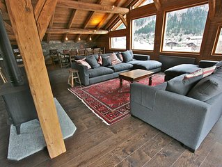 Luxury 4 Bedroom Spacious Chalet 5 min flat walk to Chamonix centre