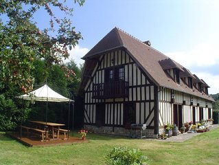 Large delightful house in private grounds, 15 minutes from Honfleur