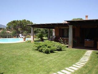 Villasimius Sardegna, Villa con piscina a 150 mt dal mare a Cala Caterina