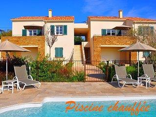 Mini villa, coeur Saint Florent,piscine chauffée,7pers,jardin,terrasse,wifi,clim
