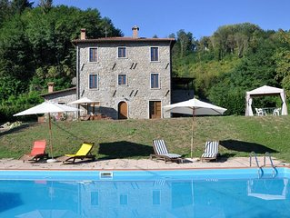 Filicaia - Country house, large private pool. WIFI. Walk to river.