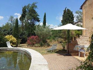 Provenzalisches Landhaus mit Garten und Quellwasserbecken
