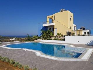 Neue Villa mit privatem Pool und herrlichem Meerblick