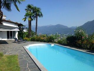 Traumhaftes Ferienhaus mit eigenem beheiztem Pool und Seeblick