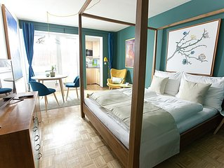 Vom Design-Apartment mit Balkon die Sehenswürdigkeiten Wiens zu Fuß erkunden