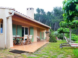 Maison dans propriété familiale, vue mer et colline, 3 kms SANARY sur MER