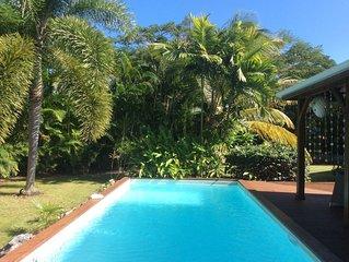 Belle villa de charme avec piscine et jardin luxuriant