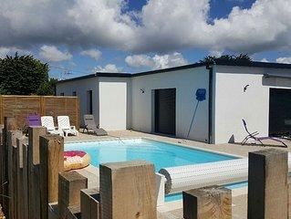 Grande maison spacieuse, contemporaine au bord de l'atlantique avec piscine