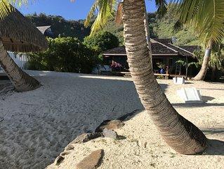 Moorea Sunset Beachfront Villa - Polynesian Luxury Villa