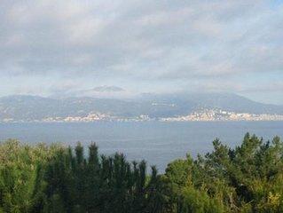 Vue sur mer - villa situee sur une pinede  a 5 minutes en voiture de la plage