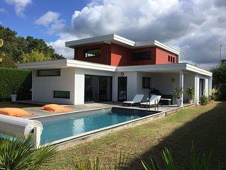 Villa d'architecte avec piscine chauffée
