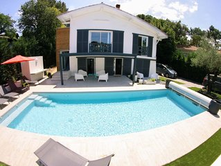 Villa de standing - Proximité immédiate lac, plages et centre ville - 6 chambres