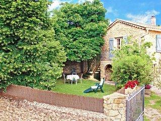 L'Establou, gite en pierres. Cadre authentique et verdoyant.
