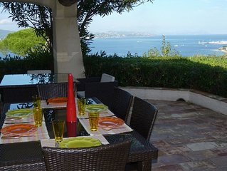Villa avec piscine et vue exceptionnelle sur la baie de Saint-Tropez