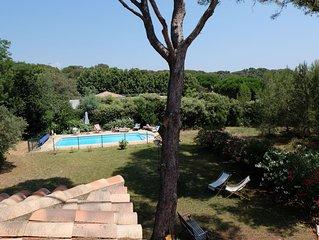 Maison provencale avec vue sur mer, plage a 50m, piscine et grand terrain arbore