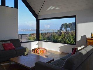 Maison d'architecte vue pleine mer, les pieds dans l'eau: www.***********