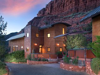 Sedona Cliff House - Clean & Contemporary