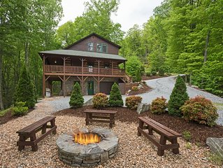 Mountain Views,  Fire pit , Hot tub, game rooms, Great location!