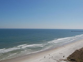 Oceanfront Condo with Pool,Sauna,Gym in Jacksonville Beach