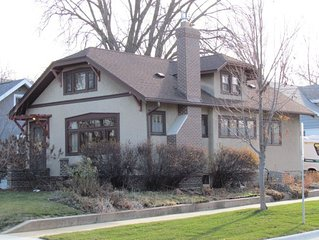 Cozy 1920's Arts and Crafts Bungalow - Walk to Downtown & Mayo Clinic