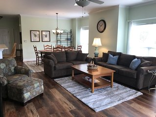 Waterfront 3BR Condo, 1st Floor, Pool and Tennis