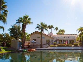 Street of Dreams lakefront home, pool, kayaks, close to Scottsdale, Tempe & Mesa