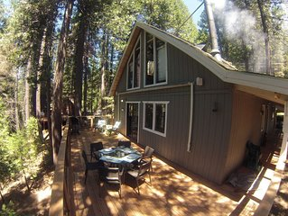 Updated Cabin, Fully Stocked for Family Fun, (8 beds); Walk to Sequoia Woods