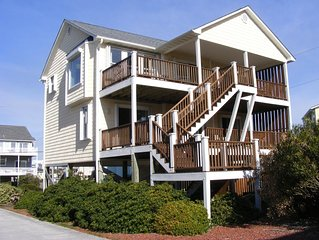 Comfortable, family friendly, pet friendly oasis steps from the beach