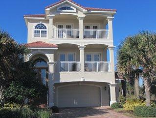 4 bedrooms - 3 floors of relaxation, Ocean & Lake view, Elevator, 2 heated pools