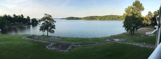 Hermosa vista de la tarde desde el patio