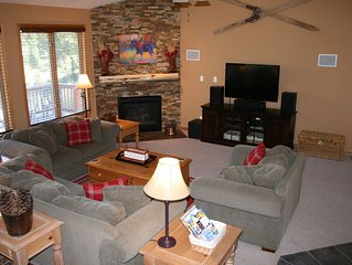 Spacious & cozy mountain home, Perfect large group getaway with outdoor hot tub!
