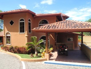 Luxury Home with Beautiful Mountain Views and Short Walk to Secluded Beaches