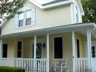 BeachWalk Cottage  - Charm by the Chesapeake Bay.