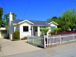 Sunny Cottage by the Sea! 10 min walk to Capitola! Hot tub, BBQ & Game Room!