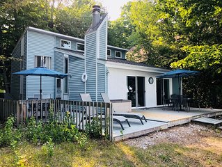 10/18 to 10/25 Discounted! Beachfront Cottage on Grand Traverse Bay