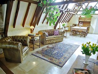 Romantic Penthouse in Bruges Medieval Centre with Roof Garden and Free Garage