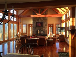 MANCHESTER HOME - BREATHTAKING VIEWS! LOCATION! GOLF! SKIING! SHOPPING! HOT TUB!