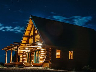 Cabin with 2 master suites, gorgeous views of Mesa Verde and La Plata Mountains
