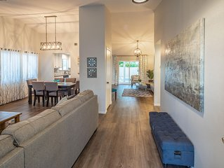 Relax and Enjoy, this lovely home,  conveniently located to the strip!