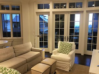Top Floor Loft w/ MBR, Bunkroom, 2 baths in the center of Rosemary on the Square